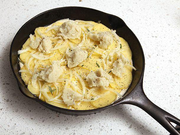 20120206-vegan-pizza-potatoes-zucchini-01.jpg