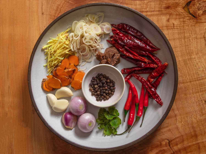 ingredients for Prik Gaeng Pak Dtai (Southern Thai Curry Paste)