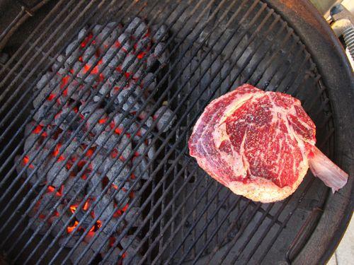 20120513-steak-tips-grilling-slow-start.jpeg