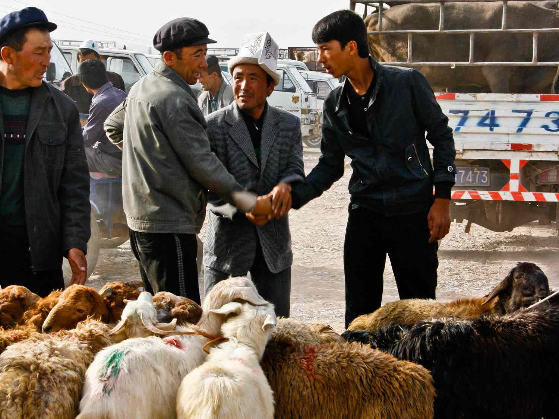 20140629-Kashgar-Sunday-Market3-FionaReilly.jpg