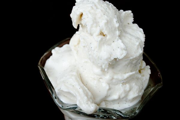 20120217-193065-vanilla-bean-soft-serve-primary.jpg