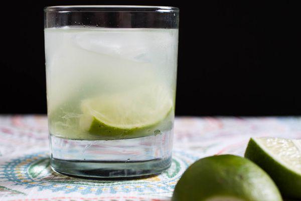 20150618-three-ingredient-cocktails-caipirinha-vicky-wasik.jpg