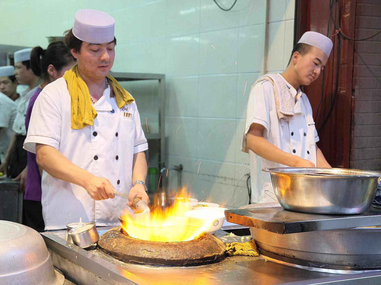 20140623-xian-food-muslim-quarter-02.jpg