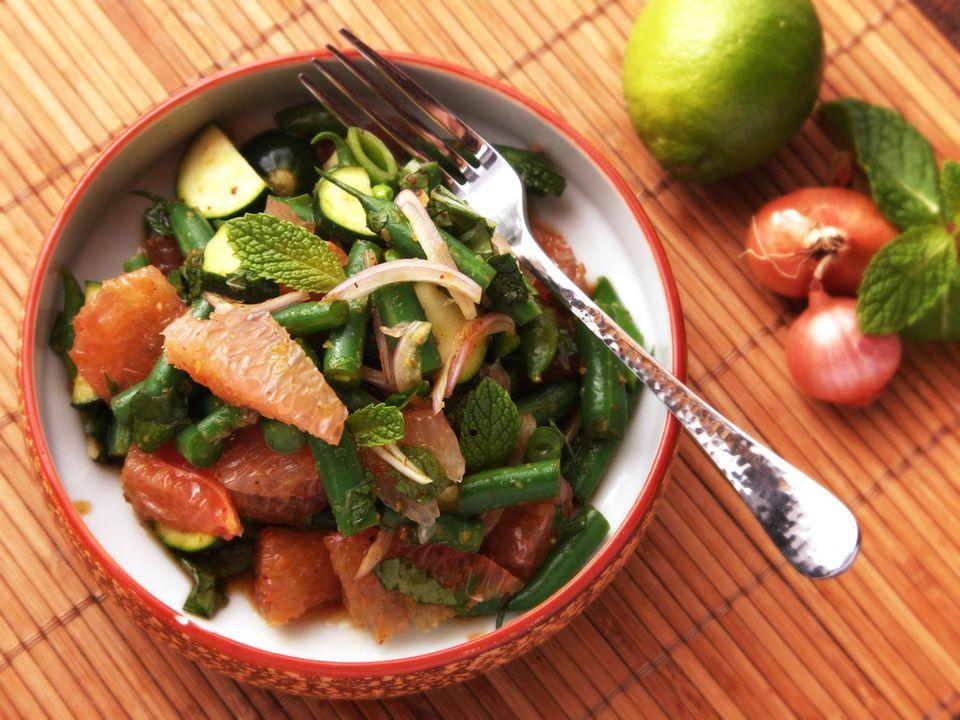 20141106-pomelo-salad-issan-thai-recipe-2.jpg