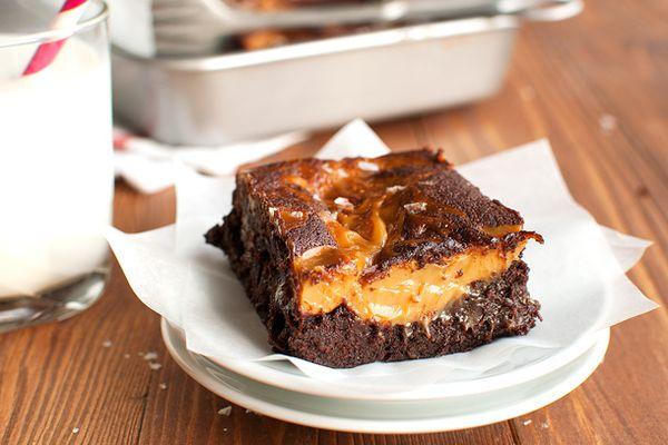 20150121-salted-dulce-de-leche-brownies-nila-jones-8-thumb-2.jpg