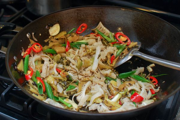 20140617-stir-fry-tripe-with-pickled-mustard-greens-and-fermented-black-beans-shao-zhong-15.jpg