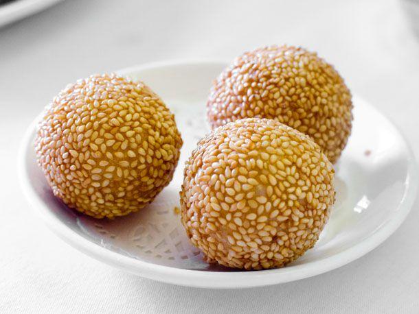 20141001-chinese-bakery-sweets-sesame-balls.jpg