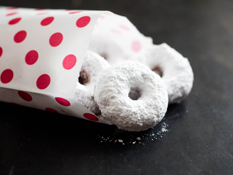 20160225-hostess-donuts-vicky-wasik-27.jpg