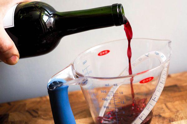 20150217-wine-cooking-tests-daniel-gritzer-1.jpg