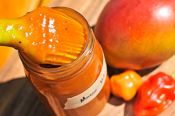 20120521-207265-mango-barbecue-sauce.jpg
