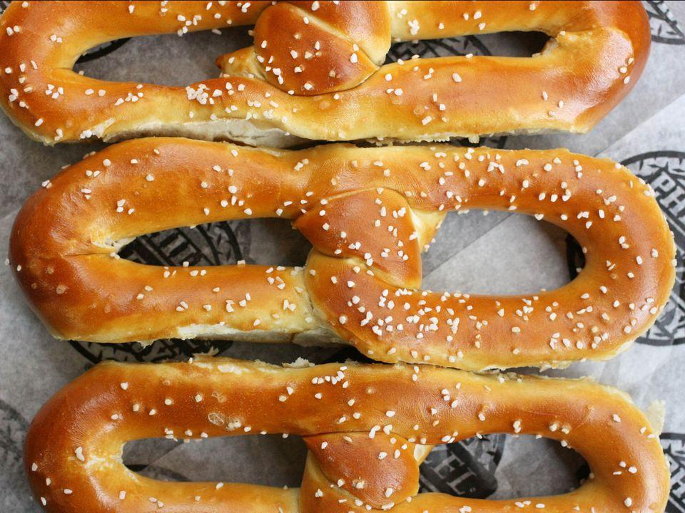 20180515-philly-pretzels-philly-pretzel-factory-6-drew-lazor