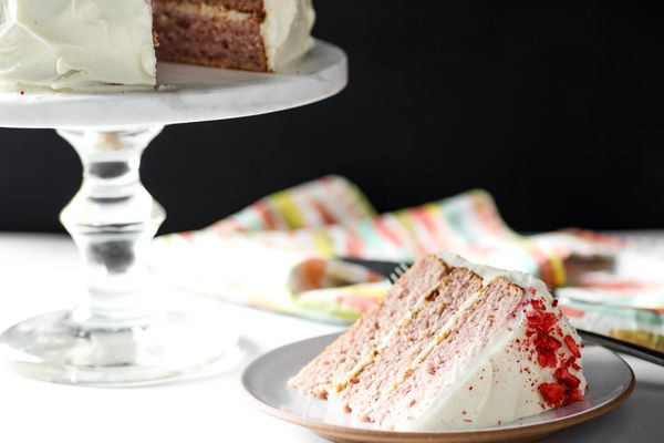 20170627-strawberry-cake-vicky-wasik-22