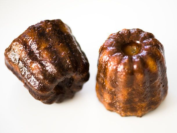 canelé from a copper mold