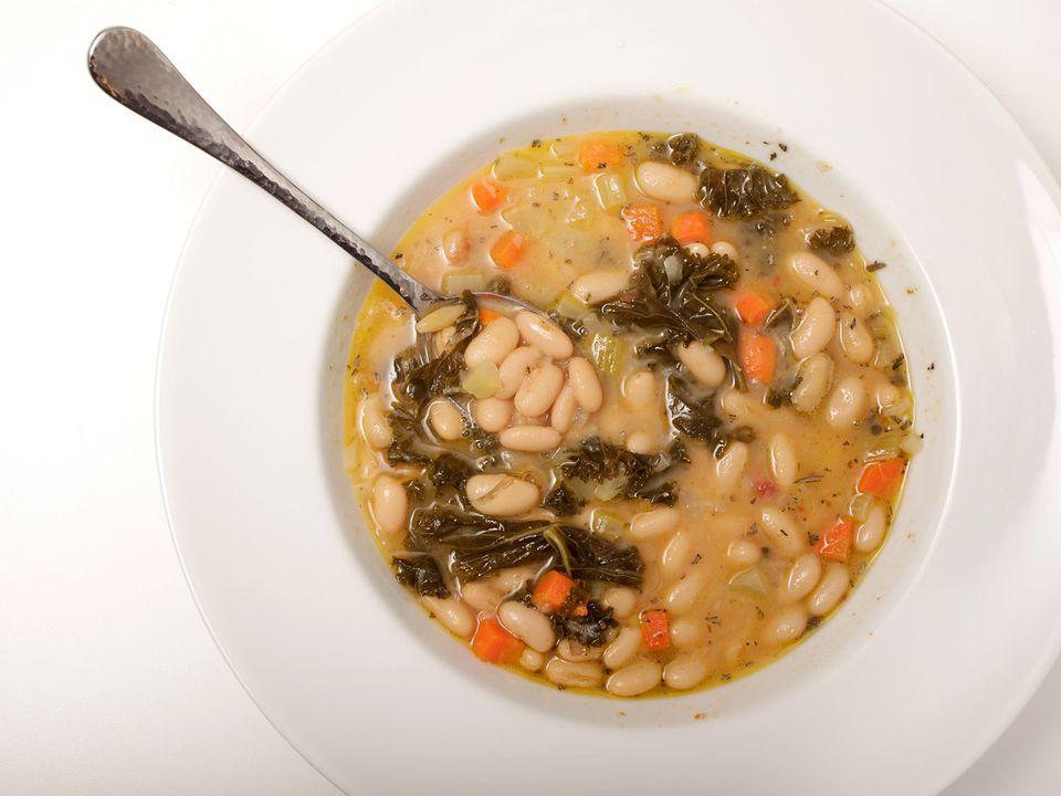 tuscan-white-bean-soup-kenji