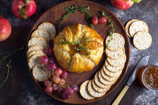 20170124-Baked-Brie-en-croute-fig-jam-matt-emily-clifton.jpg