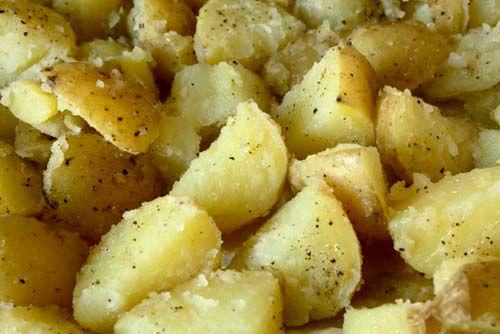 20111102-ultra-crispy-roast-potatoes-2.jpg