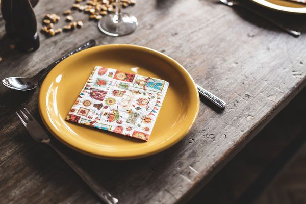thanksgiving-napkins-shutterstock_338339414.jpg