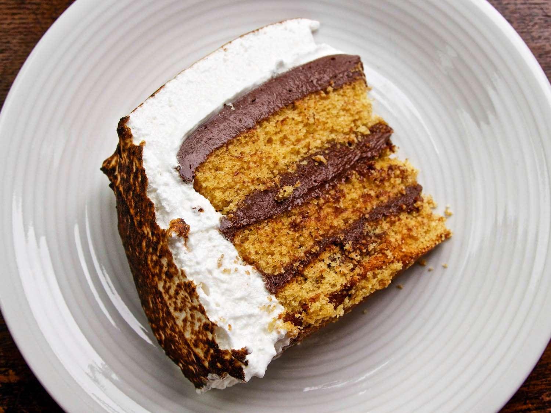 20140716-smores-SliceOfSmoresCake-ideas-in-food.jpg