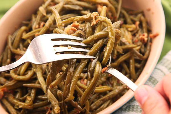 20141109-braised-green-beans-recipe-food-lab-thanksgiving-09.jpg