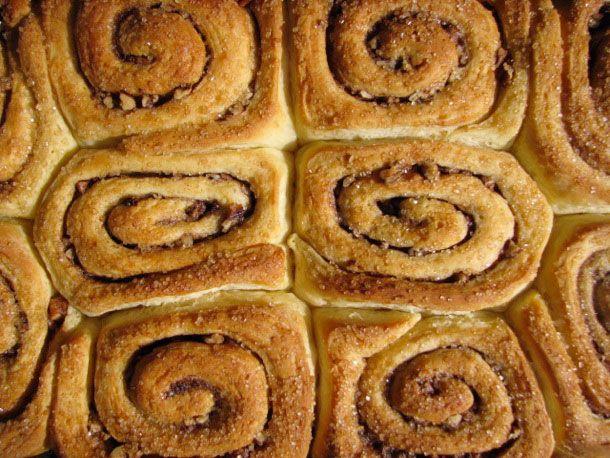 21000825-167815-sunday-brunch-cinnamon-buns.jpg