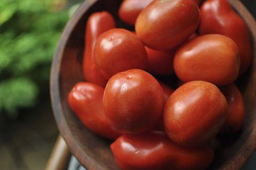 20110830-tomatoes-pickling.jpg