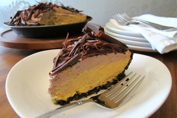 No-Bake Chocolate Pumpkin Mousse Pie