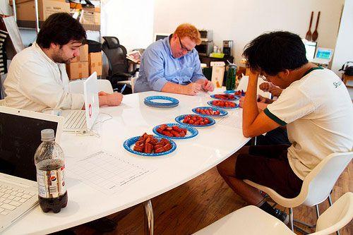 20100631-hotdogtasting-tasting4.jpg