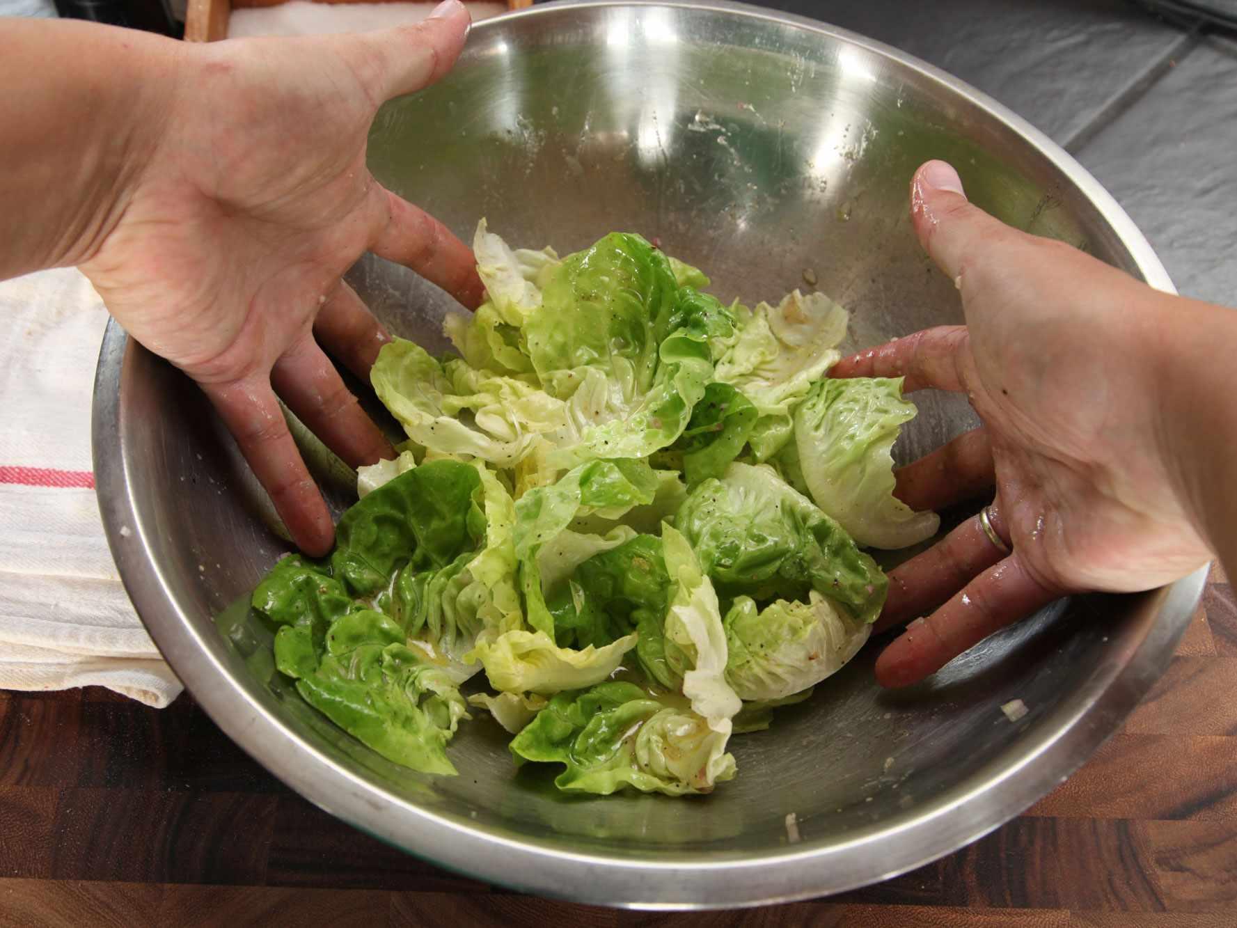 20140930-how-to-dress-a-salad-vinaigrette-15.jpg