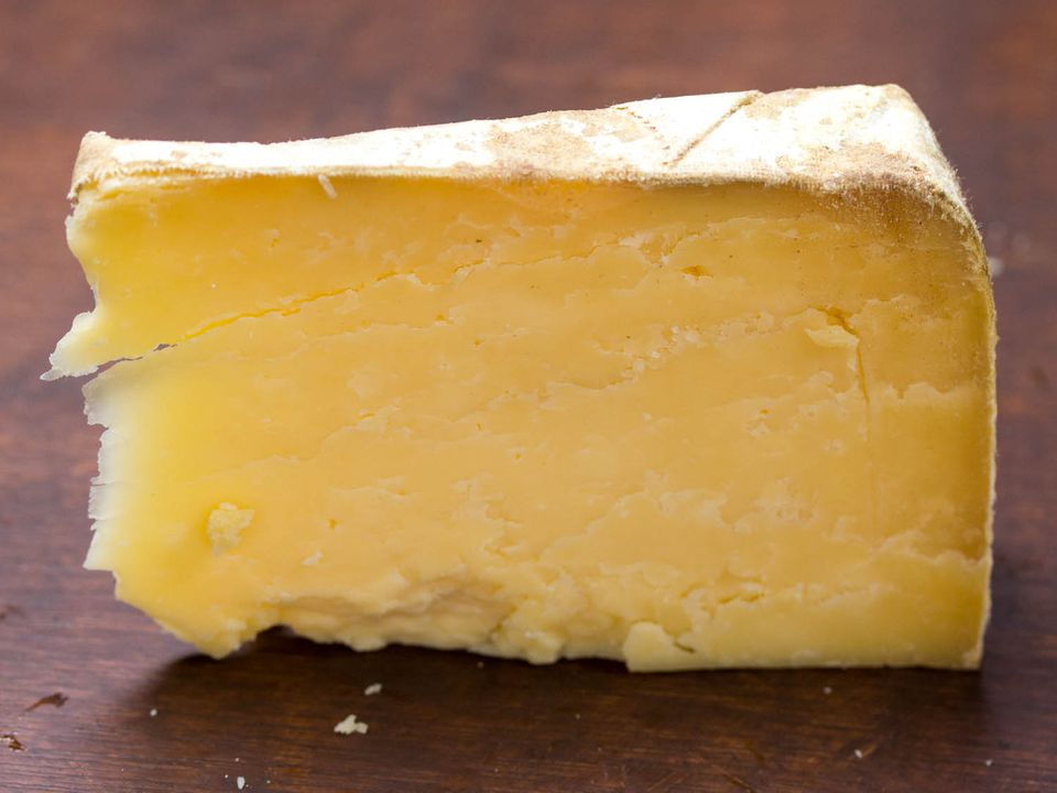 20140623-cheese101-hard-cheese-clothbound-cheddar-vicky-wasik-1.jpg