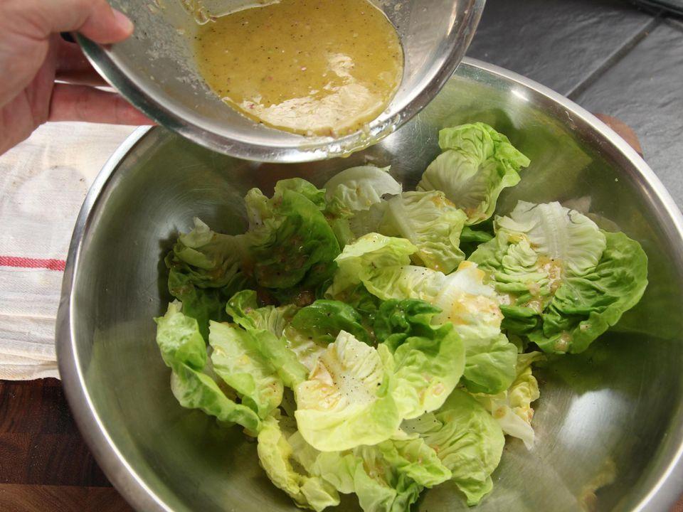 20140930-how-to-dress-a-salad-vinaigrette-14.jpg