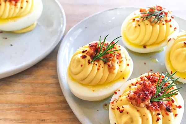 20190524-wursthall-deviled-eggs-beauty2-edit