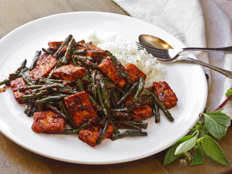 20170429-one-pot-vegetarian-dinners-recipes-roundup-15.jpg