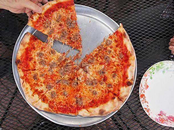 20140420-pizza-tour-paulie-gee-five-borough-five-pizza-54.jpg