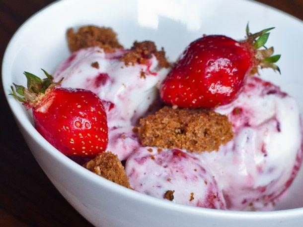 strawberry pie ice cream