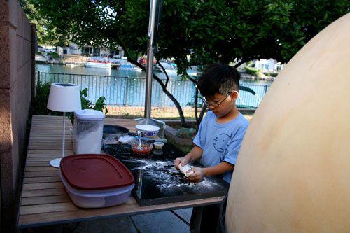20100504-mpo-swong-olderson-pizza.jpg