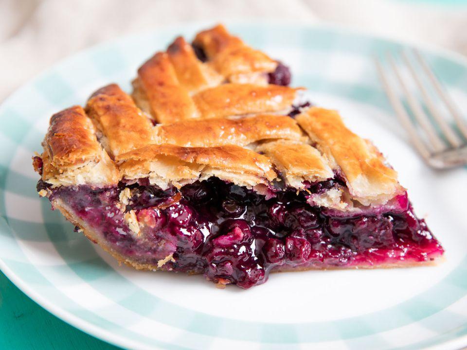 20160610-blueberry-pie-vicky-wasik-1.jpg