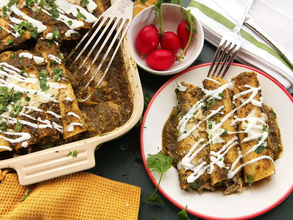 20141204-chicken-enchilada-verde-food-lab-recipe-26.jpg