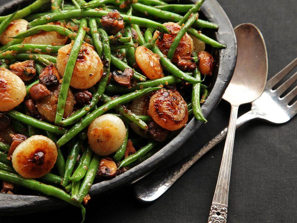 20131024-green-bean-cippolini-mushroom-thanksgiving-recipe-22.jpg
