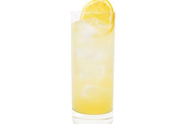 20120116-cocktail-lemon.jpg