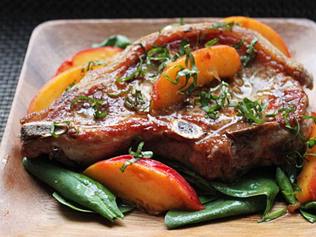 Pork Chops With Fresh Peaches and Basil