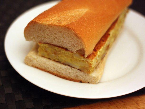 20110413-127355-dinner-tonight-tortilla-bocadilla.jpg