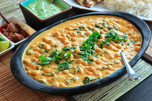 20120524-chickpea-coconut-cashew-curry-1.jpg