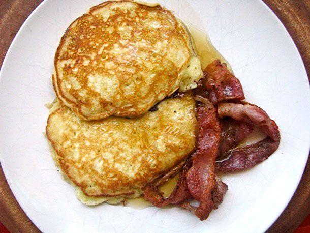 20110514-151047-apple-pancakes.jpg