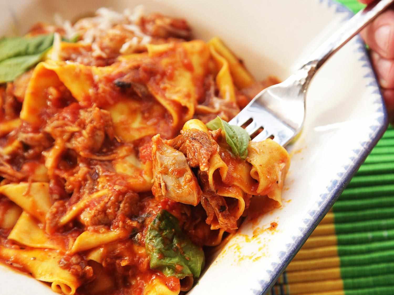 20150114-ragu-napoletana-neapolitan-meat-sauce-pork-beef-sausage-italian-recipe-2.jpg