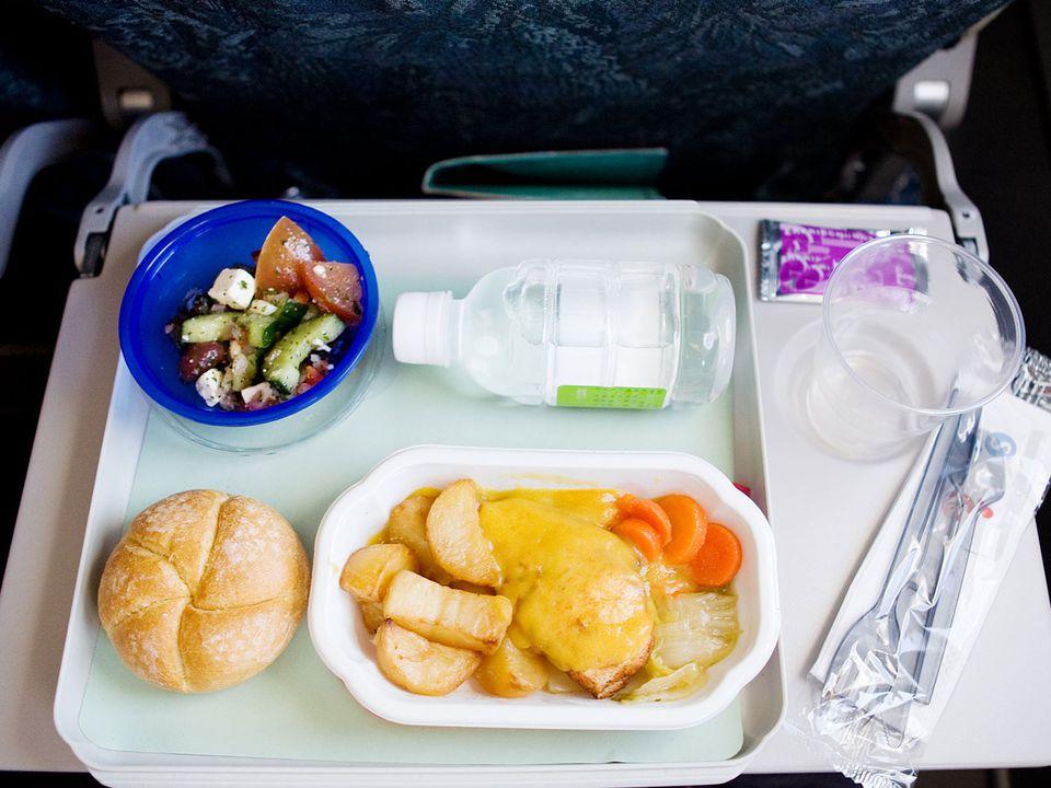 airplane-food-shutterstock_16298140.jpg