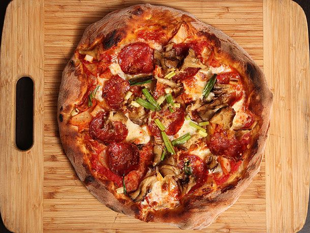 20130427-kimchi-pizza-1.jpg