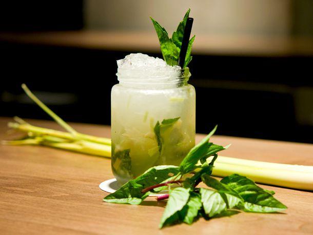 20120208-191961-union-bar-vancouver-banga-cocktail.jpg