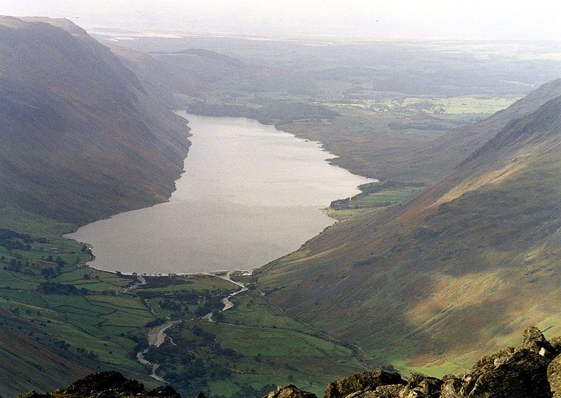 800px-Wast_Water_from_Great_Gable.jpg