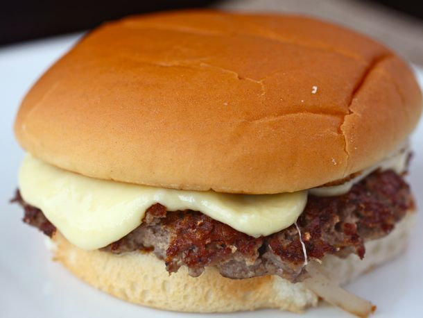 20110706-steamed-cheese-burger-primary.jpg