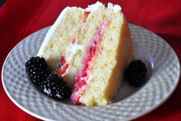 lemon cake with berries